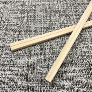 桧材を使用した元禄箸になります。国内生産のお箸になります