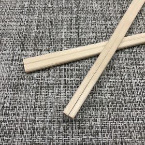 白樺材を使用した安価なタイプの元禄割り箸です